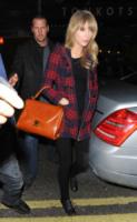 Taylor Swift - Londra - 21-02-2013 - Il must dell'autunno? Sua Maestà il tartan!