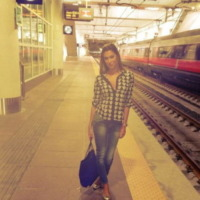 Los Angeles - 10-09-2013 - Dillo con un tweet: Emma Marrone ci da' un taglio