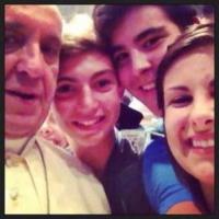 Papa Francesco - Fiorenzuola - 11-09-2013 - Un regalo speciale: ecco la papalina di Papa Francesco!