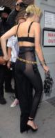Miley Cyrus - Londra - 11-09-2013 - Vade retro abito! Miley Cyrus trasparente a Londra