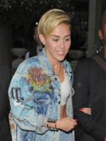 Miley Cyrus - Londra - 11-09-2013 - Il double denim, un must per l'inizio dell'autunno 2013