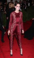 Kristen Stewart - New York - 06-05-2013 - La tuta glam-chic conquista le celebrity
