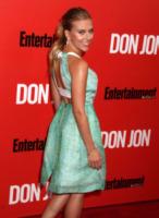 Scarlett Johansson - New York - 12-09-2013 - Vade retro abito! Scarlett Johansson in Roland Mouret
