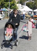 Seraphina Rose Elizabeth Affleck, Violet Anne Affleck, Jennifer Garner - Los Angeles - 15-09-2013 - Jennifer Garner: una casalinga disperata a Los Angeles