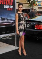 Selena Gomez - Westwood - 26-08-2013 - Selena Gomez e Chrissy Teigen: chi lo indossa meglio?