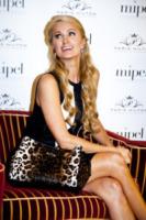 Paris Hilton - Milano - 15-09-2013 - Paris Hilton presenta al Mipel la sua collezione di borse