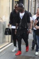 Enock Barwuah Balotelli, Mario Balotelli - Milano - 20-09-2013 - Neguesha-Balotelli: così vicini, ma così distanti