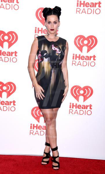 Katy Perry - Las Vegas - 20-09-2013 - Il rossetto dell'autunno? E' rosso Burgundy
