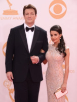 Kevin Rahm, Mikaela Hoover, Nathan Fillion - Los Angeles - 22-09-2013 - Emmy Awards 2013: il piccolo schermo è il protagonista