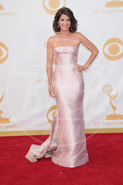 Cobie Smulders - Los Angeles - 22-09-2013 - Emmy Awards 2013: il fascino delle spalle scoperte