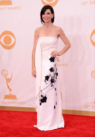 Julianna Margulies - Los Angeles - 22-09-2013 - Bianco e nero: un classico sul tappeto rosso!