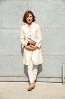 Cinzia Sasso - Milano - 23-09-2013 - Primavera 2015: con il soprabito, le celebs vanno… in bianco!