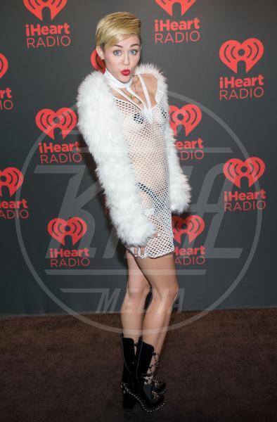 """Miley Cyrus - Las Vegas - 21-09-2013 - """"A 40 anni non sei più sexy!"""" Sicura, Miley Cyrus?"""