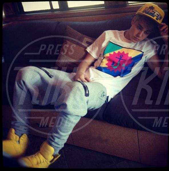 Justin Bieber - Calabasas - 03-12-2012 - Justin a confronto: quando l'eleganza è innata