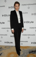 Stana Katic - Beverly Hills - 10-01-2012 - Quando le dive rubano dall'armadio di lui