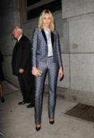 Anja Rubik - New York - 22-10-2012 - Quando le dive rubano dall'armadio di lui