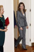 Letizia Ortiz - Madrid - 03-12-2012 - Quando le dive rubano dall'armadio di lui
