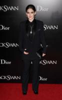 Winona Ryder - New York - 30-11-2010 - Quando le dive rubano dall'armadio di lui