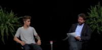 Justin Bieber, Zach Galifianakis - Los Angeles - 26-09-2013 - Justin Bieber: questa volta ti sei preso le cinghiate [VIDEO]