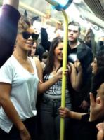 Rihanna - Londra - 27-09-2013 - Il desiderio metropolitano delle star…come noi