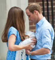 Principe George, Principe William, Kate Middleton - Londra - 24-07-2013 - Il Principe William e baby George immortalati…nel cioccolato!