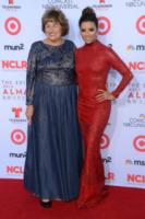 mamma, Eva Longoria - Pasadena - 27-09-2013 - Alma Awards, revival Desperate Housewives: Eva e Carlos