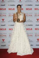 Gina Rodriguez - Pasadena - 27-09-2013 - Alma Awards: ecco i Latinos più meritevoli