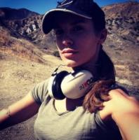 Elisabetta Canalis - Los Angeles - 29-09-2013 - Dillo con un tweet: Canalis, primo giorno di…poligono!