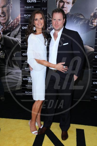 Chris Henchy, Brooke Shields - New York - 03-08-2010 - Le partecipazioni? Macchè, I vip preferiscono le nozze segrete