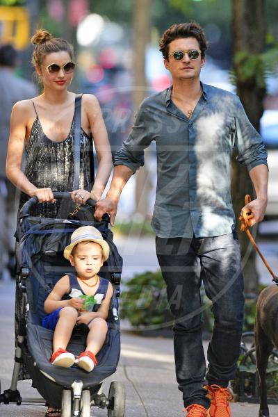 Flynn Bloom, Miranda Kerr, Orlando Bloom - New York - 04-07-2013 - Le partecipazioni? Macchè, I vip preferiscono le nozze segrete