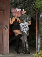 Jordan Bratman, Christina Aguilera - Los Angeles - 27-10-2012 - Ad Halloween le star si vestono così