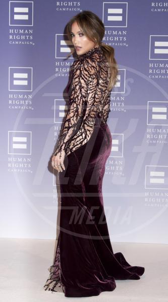 """Jennifer Lopez - Washington - 05-10-2013 - """"A 40 anni non sei più sexy!"""" Sicura, Miley Cyrus?"""