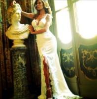 Belen Rodriguez - Comignago - 20-09-2013 - E voi con chi vorreste andare all'altare?