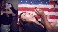 Miley Cyrus - Los Angeles - 07-10-2013 - Miley Cyrus si dà alla satira politica con We Did Stop