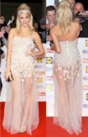 Pixie Lott - Londra - 08-10-2013 - Elena Santarelli e le altre, sotto la gonna... body e culottes!