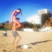 Nina Senicar - Los Angeles - 08-10-2013 - Dillo con un tweet: Satta-Santarelli, che botte!