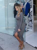 Kim Kardashian - West Hollywood - 11-10-2013 - Kim Kardashian o Jennifer Hudson: chi lo indossa meglio?