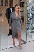 Kim Kardashian - 12-10-2013 - Kim Kardashian o Jennifer Hudson: chi lo indossa meglio?