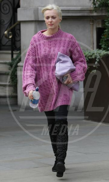 Fearne Cotton - Londra - 09-10-2013 - Inverno grigio? Rendilo romantico vestendoti di rosa!