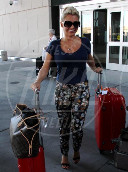 Billie Faiers - Las Vegas - 21-09-2013 - In carrozza! Anche il viaggio ha il suo dress code