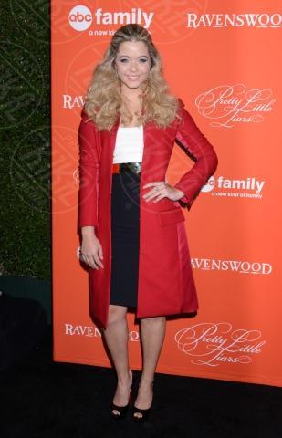 Sasha Pieterse - Hollywood - 15-10-2013 - Sarà un inverno caldo… con un cappotto rosso!