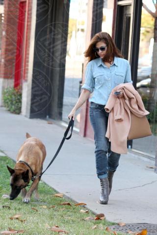 Eva Mendes - Los Angeles - 16-10-2013 - Aria di crisi tra Ryan Gosling ed Eva Mendes