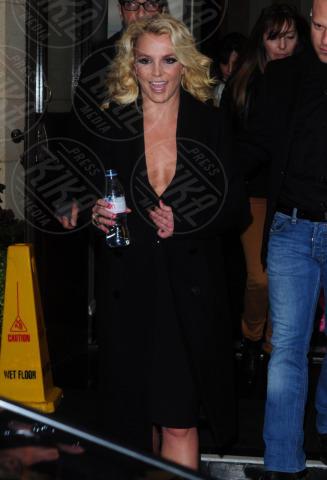 Britney Spears - Londra - 16-10-2013 - Guardami negli occhi… se ci riesci!