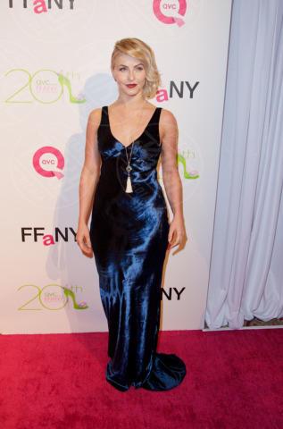 Julianne Hough - New York - 01-10-2013 - Guardami negli occhi… se ci riesci!