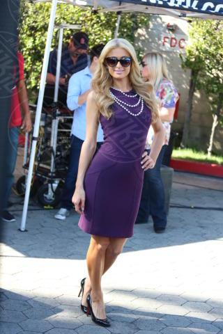 Paris Hilton - Los Angeles - 17-10-2013 - Per il 2014, le celebrity scelgono il colore viola