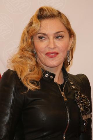 Madonna - Berlino - 17-10-2013 - Madonna, un fitness center a Berlino per essere sempre al top
