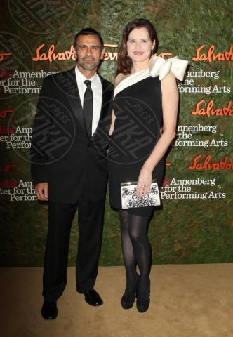 Reza Jarrahy, Geena Davis - Los Angeles - 17-10-2013 - Da Halle Berry a Brigitte Macron: le donne amano i giovani