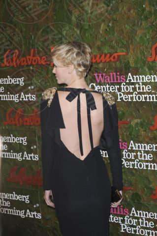Charlize Theron - Los Angeles - 18-10-2013 - Vade retro abito! Le stelle celebrano Salvatore Ferragamo