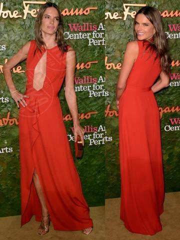 Alessandra Ambrosio - 18-10-2013 - Vade retro abito! Le stelle celebrano Salvatore Ferragamo