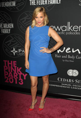 Jessica Capshaw - Santa Monica - 20-10-2013 - Anne Hathaway splendida madrina del Pink Party
